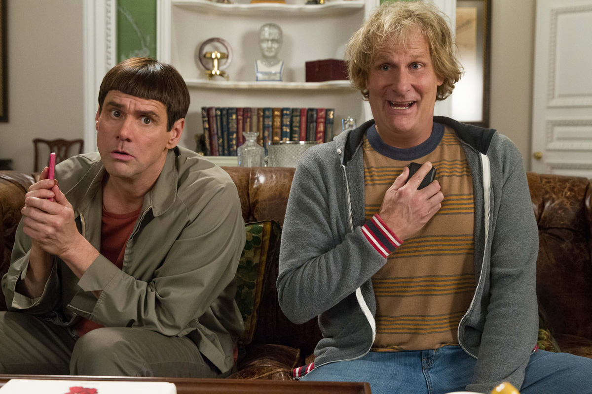 DUMB AND DUMBER TO - 2014 FILM STILL - (L to R) JIM CARREY and JEFF DANIELS reprise their signature roles as Harry and Lloyd - Photo Credit: Hopper Stone © 2014 Universal Studios. ALL RIGHTS RESERVED.