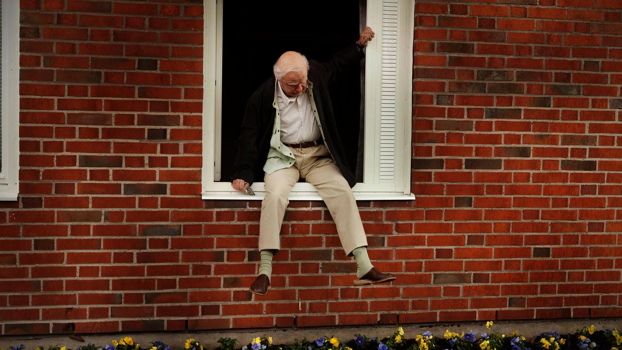 the-hundred-year-old-man-who-climbed-out-the-window-and-disappeared